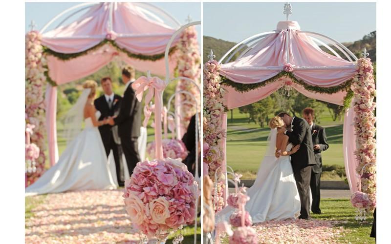 6 d tails tendances pour l glise ou la c r monie de for Decoration de porte pour un mariage