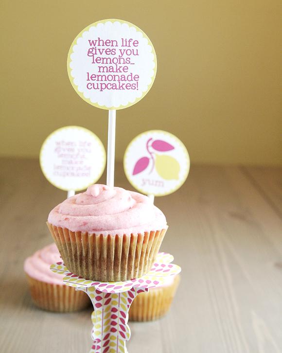 D i y patrons pour stands a cupcake a faire soi meme d coration mariage tendance - Deco pour cupcake ...