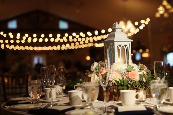 Détails pour décoration de fête en bois – Décoration Mariage Tendance -> Table Avec Des Cagette