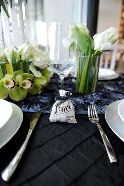 D coration de mariage noire et blanche - Decoration de table originale ...