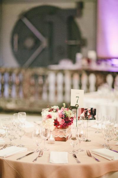 8 id es piquer a ce mariage violet d coration mariage tendance. Black Bedroom Furniture Sets. Home Design Ideas