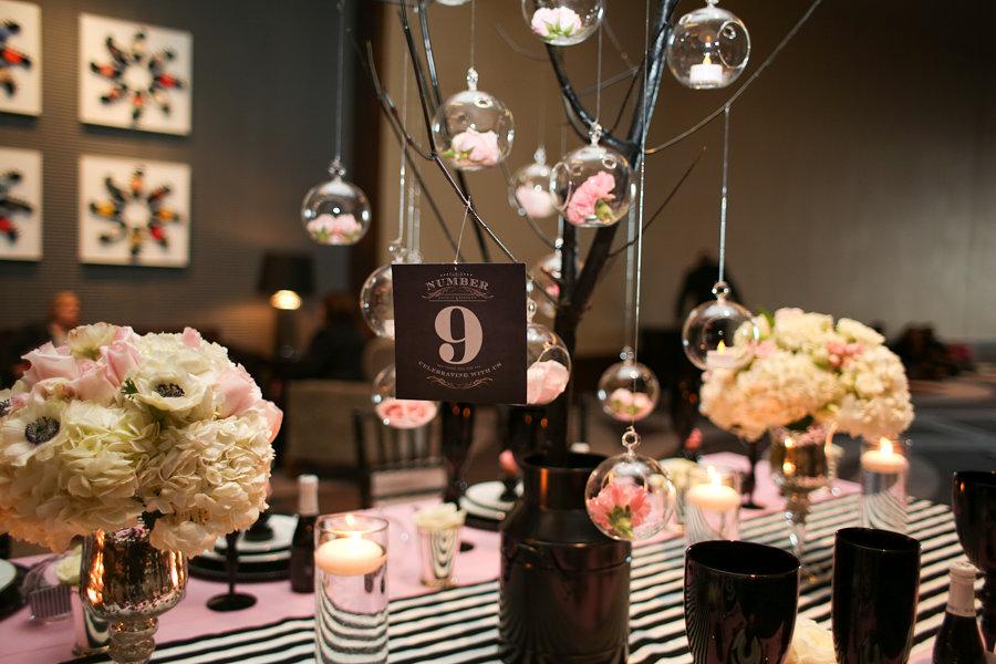 2 id es de d coration de mariage rose et noire d coration mariage tendance - Deco de table noir et rose ...