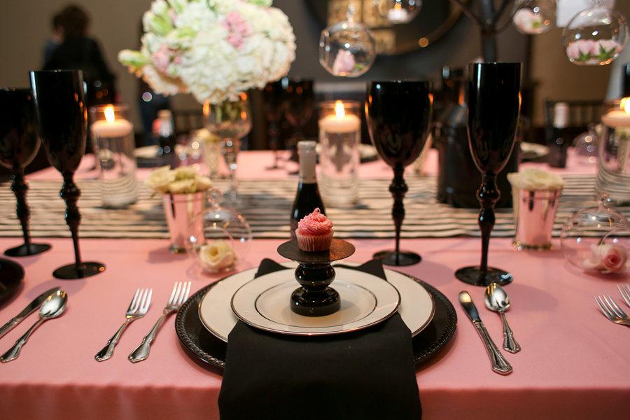 2 id es de d coration de mariage rose et noire for Deco de table noir et rose