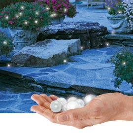 Fairy berries ces leds lumineuses originales ctanches for Boules lumineuses jardin