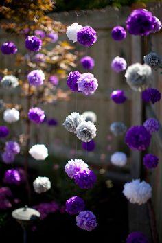 guirlandes-pompons-violet