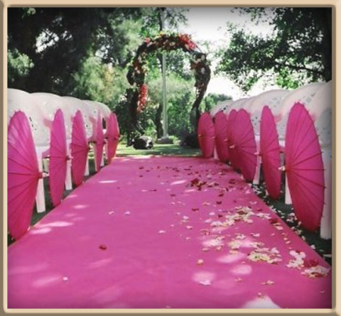 le tapis de sol fushia pour un mariage girly. Optez pour un tapis ...
