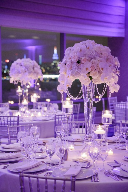 breathtaing-wedding-reception-ideas-with-candle-floating-centerpieces