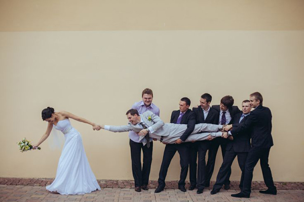 creative-and-inpirational-fun-wedding-photos-to-have-in-your-wedding-day
