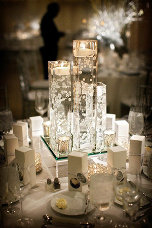 modern-diy-floating-wedding-centerpieces-with-candles-and-flowers