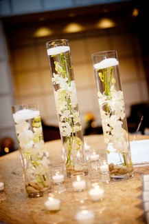 modern-inexpensive-diy-floating-wedding-centerpieces-with-candles-and-flowers