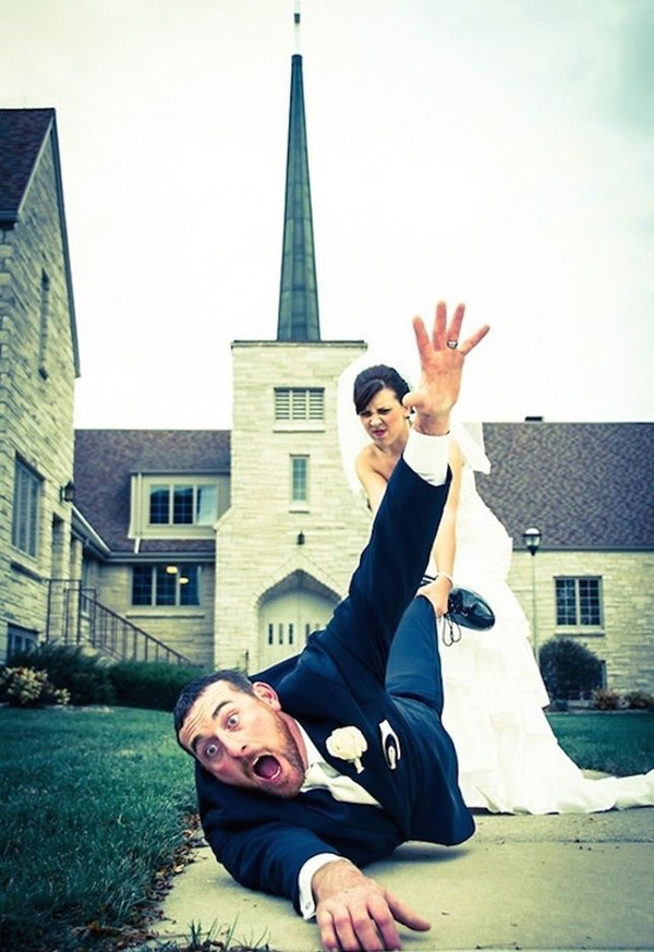 The-funniest-weding-photo-ideas-for-your-big-day
