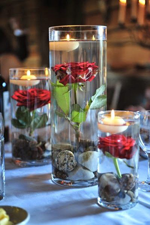 unique-wedding-centerpieces-with-floating-candles-and-roses