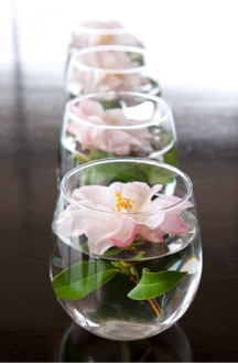 wonderful-diy-unique-floating-candle-wedding-centerpieces-with-flowers