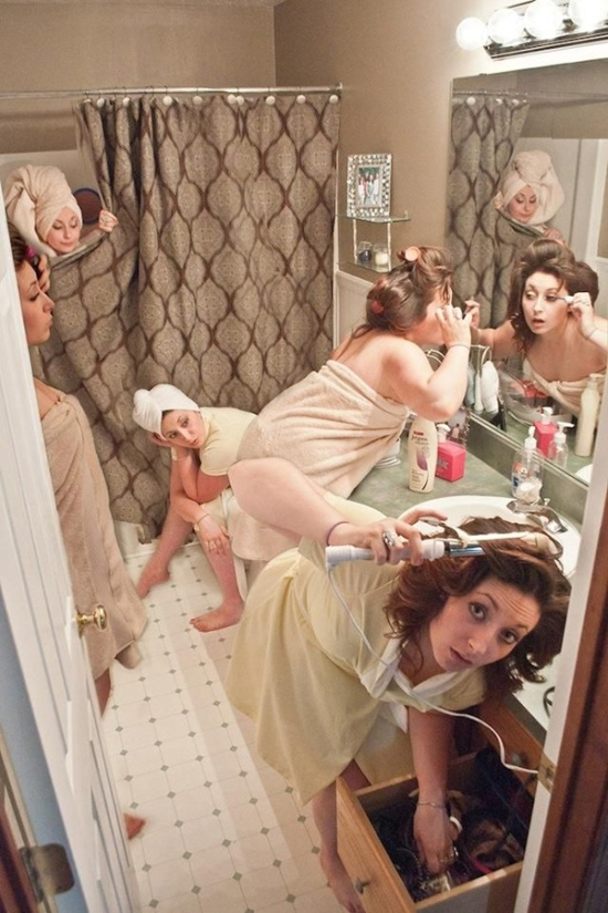 funny-wedding-photo-idea-that-getting-ready-the-morning-of-wedding-day
