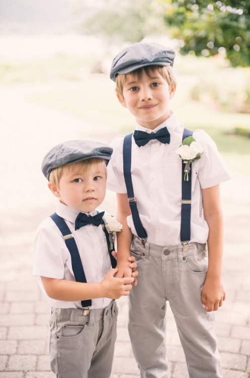 vintage-look-ring-bearers-for-rustic-garden-wedding-ideas